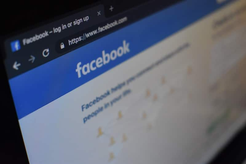 Could Facebook's New 'Secret Crush' Feature Be The Push We All Need?