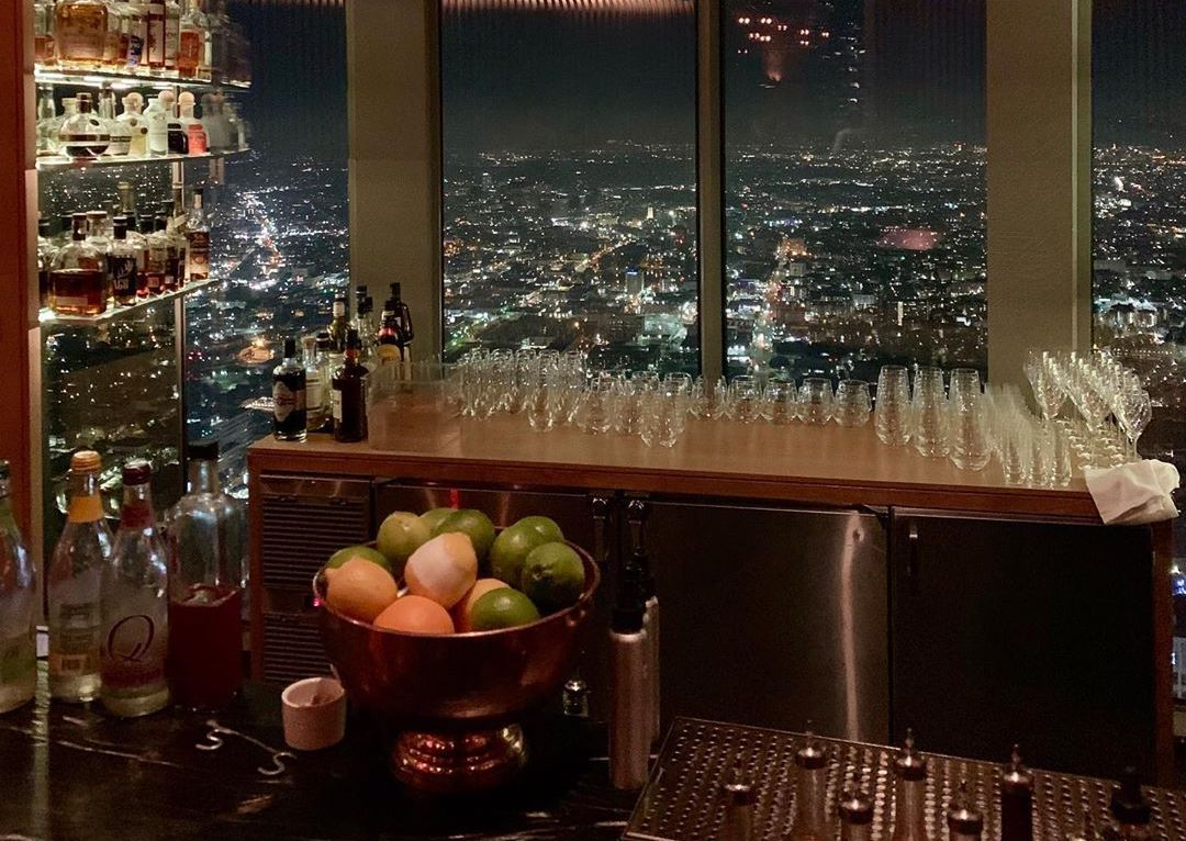There's A Restaurant Perched On The 71st Floor Of The Tallest DTLA Skyscraper • 71 Above