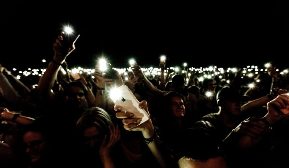 Angelenos Will Be Shining Flashlights Into The Sky As A Silent Protest Tonight At 9PM